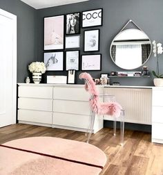 Interior Living Room Design Trends for 2019 - Interior Design Decoration Gris, Interior Decorating, Interior Design, Diy Interior, Decorating Tips, Design Interiors, Decorating Websites, House Rooms, New Room