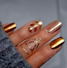 Image via Gold nails Image via Gold Nail Art Designs. Image via Wedding gold nails for Image via The Golden Hour - Reverse Glitter Gradient nail art: two color colou Fabulous Nails, Gorgeous Nails, Pretty Nails, Amazing Nails, Chrome Nails, Gold Nails, Gold Chrome, Bronze Nails, Blue Nails