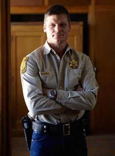 Kinda missed the boat on A's 'Longmire'...Kicking myself especially because HOTTIE Bailey Chase is on it! Click the pic for the interview!