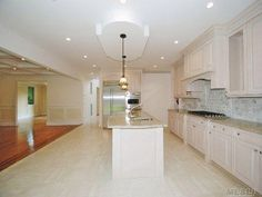 Single Family For Sale With 5 Bedrooms, 4 Full Bath, 1 Half Bath, Nassau, Roslyn Heights