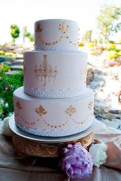 Beautiful Gold Chandelier Cake www.cmhcakes.blogspot.com