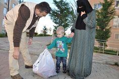 Hilfsverteilung an Bayram / Id durch Imkander - Kurban / Id al adha 2013 | Waisenkinder Bekommen Eine Neue Schule