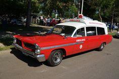 American Ambulance, Armadura Ninja, Best Luxury Sports Car, Cool Car Drawings, Pontiac Cars, Air New Zealand, Rescue Vehicles, Pontiac Bonneville, Emergency Vehicles