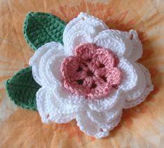 Crochet flores de 2-1/2 pulgadas YH-040-01 por YHcrochet en Etsy