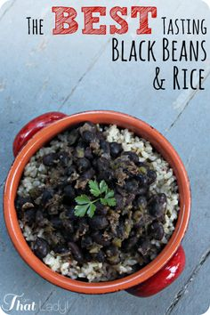 Are you looking for a GREAT black beans and rice recipe? STOP LOOKING - this is THE recipe! Red wine, cumin, garlic and oregano combine for some complex and AMAZING flavors. oh, and and did I mention that it's easy, healthy and inexpensive! Easy Black Beans And Rice Recipe, Black Bean Recipes, Brown Rice Recipes, Quick Rice Recipes, Cuban Rice And Beans, Vegan Vegetarian, Vegetarian Recipes, Cooking Recipes, Healthy Recipes