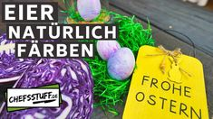 Ostereier natürlich färben - Rezept von Chefsstuff.de Christmas Ornaments, Holiday Decor, Vegetarian Snacks, Purple Cabbage, Happy Easter, Christmas Jewelry, Christmas Decorations, Christmas Decor
