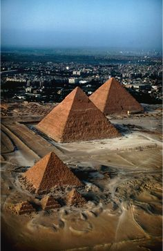 Pyramids on the Giza plateau, Cairo, Egypt 🇪🇬 One of the Seven Wonders of the World. Places Around The World, Oh The Places You'll Go, Travel Around The World, Places To Travel, Places To Visit, Travel Destinations, Beautiful World, Beautiful Places, Amazing Places