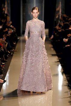 ชวนมุง>>>แฟชั่นสวยๆ จาก เอลิ ซาบ Haute Couture Spring Summer 2013 - Pantip