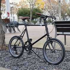 Véli (Portugal) – Veli miniVelo was launched with a new frame and fork, less classic than the previous, but more complete. Now there is more room f. Road Cycling Shoes, Performance Tyres, Urban Bike, Frame Bag, Old Frames, Vintage Bikes, Old Things, Things To Sell, Mini
