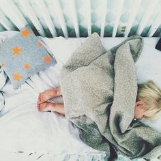 So cooooot! I wish she kept the blankets on her while she slept, she always kicks it off!!!