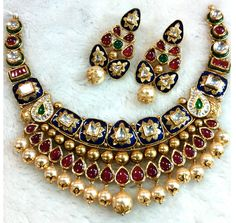 Nakoda Jewels is Dealers and Manufacturers of Artistic Gold Jewellery, Antique Gold Jewellery, Calcutta Jewellery and Specialized in Customized Jewellery in Mumbai. Antique Jewellery Designs, Gold Jewellery Design, Antique Jewelry, Indian Wedding Jewelry, Bridal Jewelry, Real Gold Jewelry, India Jewelry, Jewelry Patterns, Jewelry Collection