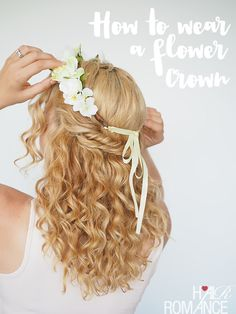 2 ways to wear a flower crown after curling your hair with Spoolies www.spoolies.com