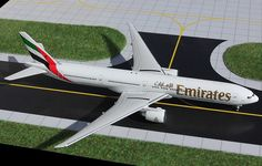 1:400 Gemini Jets Model - Boeing 777-300ER - Emirates £49.00