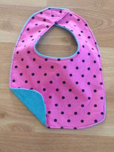 Hattie Crafts: Tutorial: Baby Bib in 10 Easy Steps