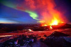 http://gabrielquerviajar.com.br/2012/02/encontro-vulcao-aurora-boreal/