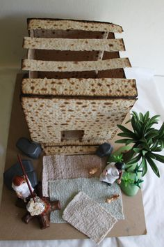 DIY Matza House by thewittys: Modeled after a  Late Bronze Age (3000-2300BC) style house called 'The Arad House' from Tel Arad, Israel.  #Crafts #Matza_House