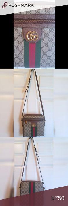 6e32dbe6a06f Ophedia Gucci crossbody Messenger Bag Crossbody messenger bag with  signature GG Supreme. Leather w/