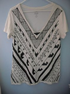 DIY INSPIRATIONAL IMAGE: Free People T-shirt Refashion. Could easily recreate this using sharpie marker!