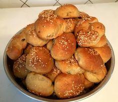 Αφράτα ελιοπιτάκια νηστίσιμα !!! - Daddy-Cool.gr Bread Art, Baking Business, Easter Recipes, Pretzel Bites, Hamburger, Food And Drink, Snacks, Vegan, Appetizers