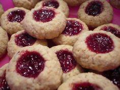 Moje ovesné důlkové koláčky Christmas Treats, Christmas Cookies, Czech Recipes, Biscuit Cookies, Polish Recipes, Food Hacks, Nom Nom, Cheesecake, Good Food