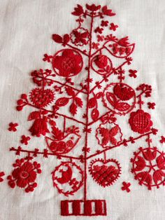 The traditional Swedish Anundsjö stitches, found in the Ångermanland county northern Sweden | Anundsjösömsinspiation