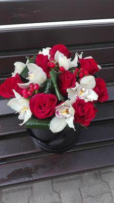 Martie, Floral Wreath, Boxes, Wreaths, Home Decor, Floral Crown, Crates, Decoration Home, Door Wreaths