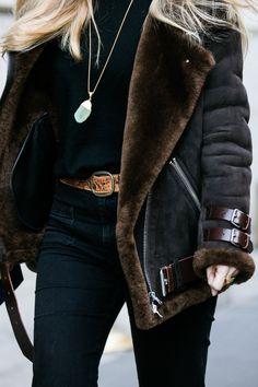 Manteau peau lainée et sautoir cristal à la Fashion Week automne-hiver 2016-2017 de New York 73
