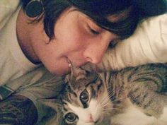 So Andy Biersack eats paper, and Tony Perry eats cats? Does America starve their band members out something?...