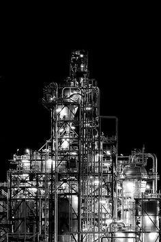 Oil refinery in Schwechat Airport Design, Oil Refinery, Old Factory, Factory Design, Urban Industrial, Building Art, Industrial Photography, Factories, Warehouses