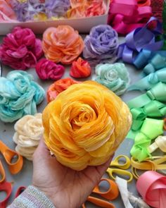 Weddings and parties Tissue Paper Flowers, Paper Flower Wall, Handmade Flowers, Diy Flowers, Flower Crafts, Flower Art, Diy And Crafts Sewing, Crafty Craft, Paper Decorations