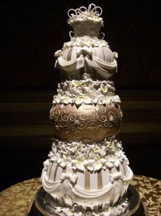 Wedding Cakes Pictures: LA Wedding Cakes