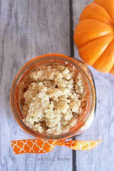 pumpkin spice vanilla sugar body scrub - takes just 5 minutes to make!