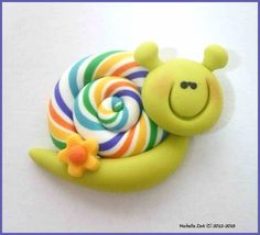 Nice also as cupcake topper Polymer Clay Bow Center or NO HOLE by michellesclaybeads on Etsy Polymer Clay Animals, Fimo Clay, Polymer Clay Charms, Polymer Clay Projects, Polymer Clay Creations, Polymer Clay Art, Clay Crafts, Jumping Clay, Play Clay