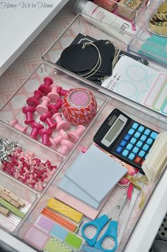 UHeart Organizing: A Delightfully Organized Desk