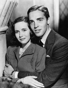 """Teresa Wright, Richard Ney in """"Mrs. Miniver"""" (1942). Director: William Wyler."""