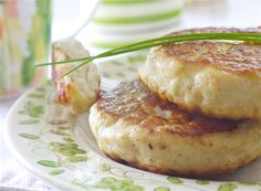 Seikaker (glutenfri) Salmon Burgers, Baked Potato, Healthy Lifestyle, Potatoes, Healthy Recipes, Fish, Baking, Ethnic Recipes, Eat