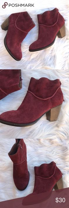 STEVE MADDEN Burgundy Milaan Western Ankle Boots Size- 6  Condition- Some signs of wear, one zipper pull string is missing. See pictures. Steve Madden Shoes Ankle Boots & Booties