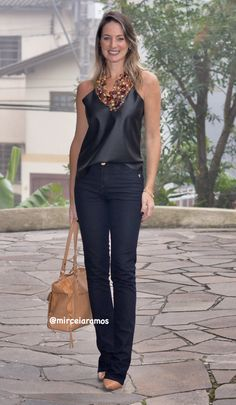 50 Trendy Ideas How To Wear A Scarf Around Your Neck Jeans pins Classy Outfits, Cool Outfits, Casual Outfits, Office Outfits, Look Fashion, Fashion Outfits, Womens Fashion, Fashion Trends, Looks Chic