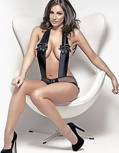 Awesome beauty Lucy Pinder