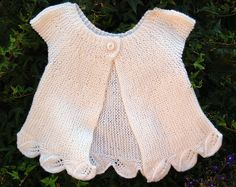 Dotted lines - The bra - Ravelry: Project Gallery for Les … Dotted lines – The brassiere pattern by La Droguerie - Baby Girl Crochet Blanket, Crochet Baby Jacket, Crochet Poncho, Crochet Kids Hats, Knitting For Kids, Baby Knitting, Baby Sweaters, Girls Sweaters, Ravelry