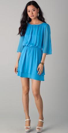 Alice + Olivia  Petunia Bell Sleeve Dress  Style #:ALICE40696  $330.00