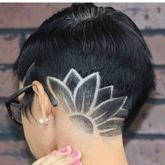Barber Shop Haircuts, Haircuts For Men, Short Wavy Hair, Girl Short Hair, Pixie Hairstyles, Trendy Hairstyles, Natural Hair Styles, Short Hair Styles, Shaved Nape