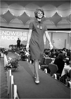 Jugendweihe Mode auf dem Laufsteg 1966