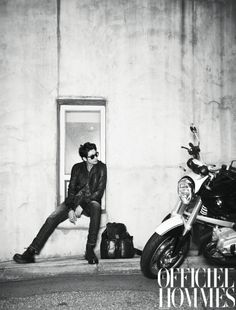 Park Si Hoo for L'Officiel Hommes - January 2012 Photography Themes, Grunge Photography, Photography Poses For Men, Photography Lessons, Fashion Photography, Motorcycle Photo Shoot, Motorbike Photos, Biker Photoshoot, Park Si Hoo