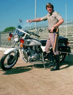Larry Wilcox, Mejores Series Tv, California Highway Patrol, Lon Chaney, Cop Show, Silent Film, Interesting Faces, Media Design, Childhood Memories