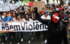 Belém - Protesto contra o aumento do valor das passagens de ônibus, trens e metrô, em Belém (PA)