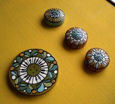 ButtonShop.ca - Hand painted wooden buttons