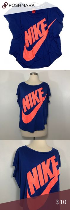 Nike Graphic Tee • Oversized fit tee with Nike logo across the chest. This is in great condition. Nike Tops Tees - Short Sleeve