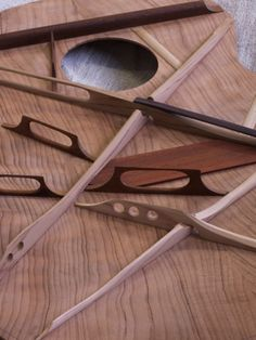 A Guitar Construction gallery by David Antony Reid, Luthier. Photos of guitars as a work in progress.