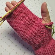 Sign in to Outlook Beanie Knitting Patterns Free, Knitted Mittens Pattern, Crochet Beanie Pattern, Knitted Gloves, Knitting Stitches, Baby Knitting, Knit Crochet, Wrist Warmers, Mittens